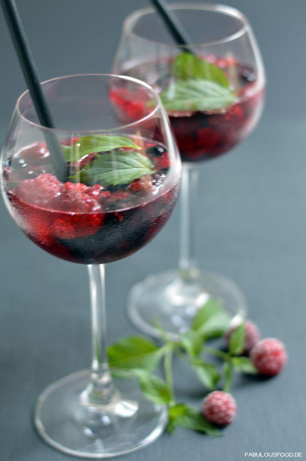 25 parasta ideaa pinterestiss lillet wild berry rezept lillet berry lillet rezepte ja. Black Bedroom Furniture Sets. Home Design Ideas