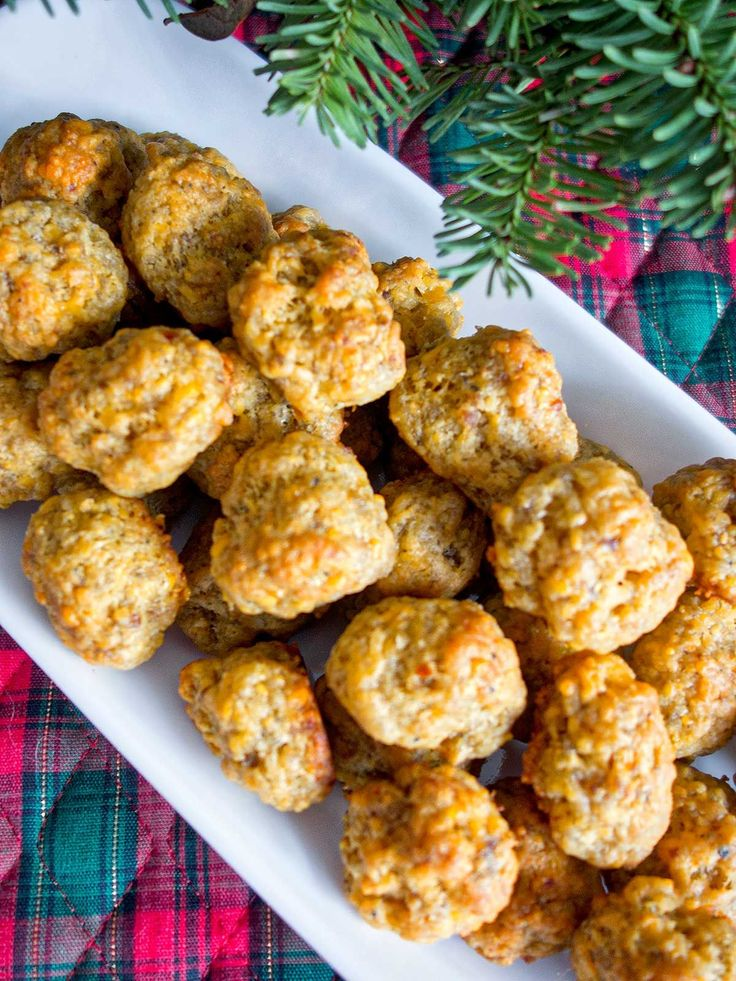 Easy Cheesy Sausage Cheese Balls-- 1 lb Italian sausage, 2 c biscuit mix 3 cups cheese... perfection!
