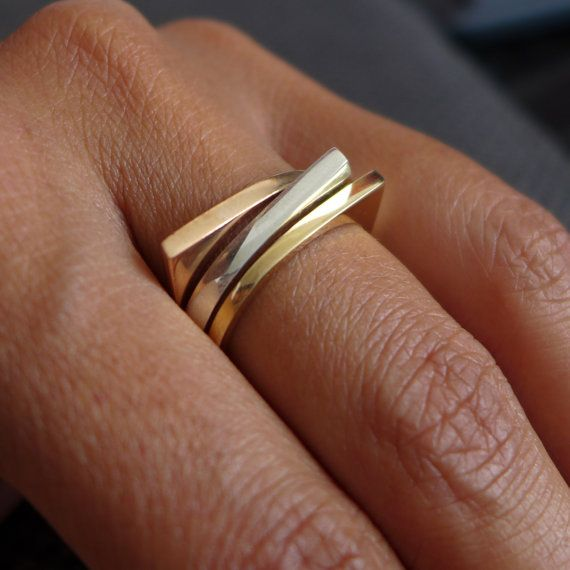 Minimalist gold wedding ring Women's gold by noafinejewelry