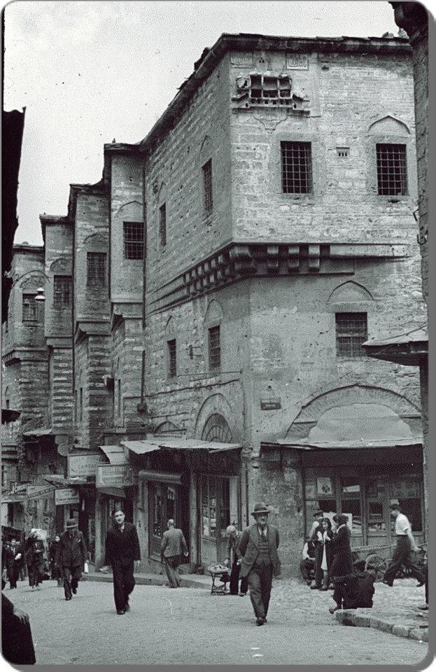 1930'ların sokaklarında yürürken #İstanbul F: Eminönü #istanlook