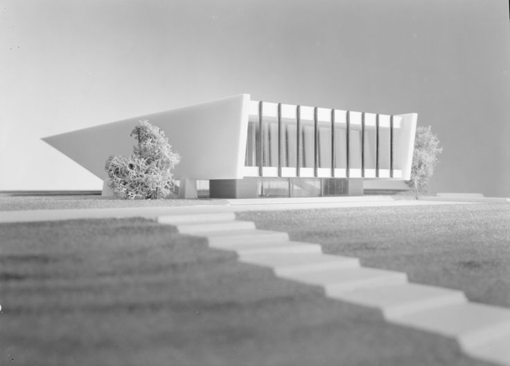 Architectural model of an auditorium building on the hill by Teigens Fotoatelier. DEXTRA Photo, CC BY
