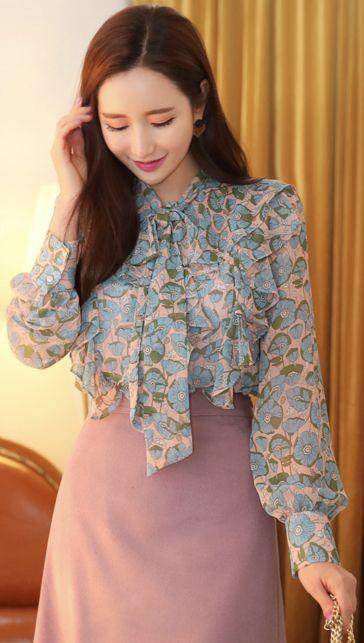 StyleOnme_Floral Print Ribbon Neck Tie Chiffon Ruffle Blouse #floral #blouse #ribbon #koreanfashion #kstyle #kfashion #feminine #dailylook