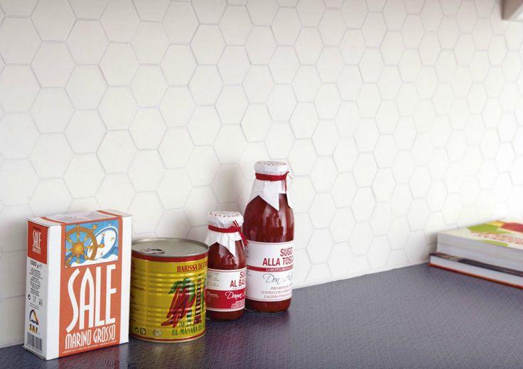 Köp Lhådös Omega hexagon vit 5x5 | Stonefactory.se