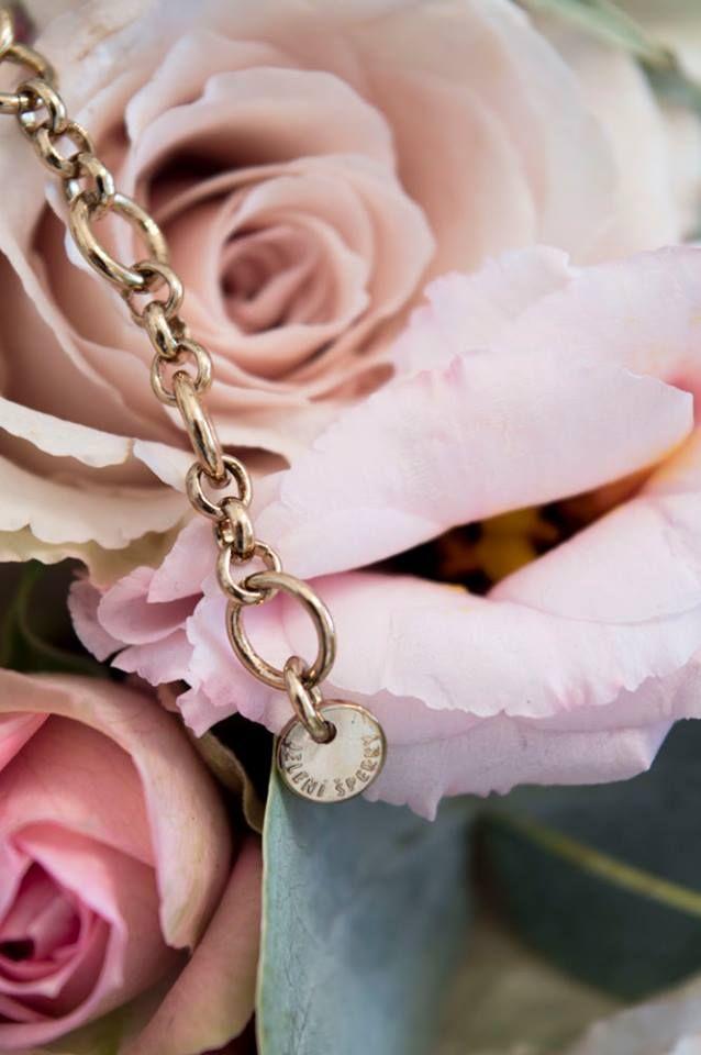 Šperky z CIK CAK kolekce jsou opatřeny logem