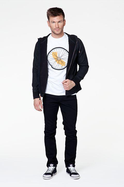 #newarrivals #new #newcollection #fw15 #fallwinter15 #online #onlinestore #men #mencollection #tshirt #sweatshirts #fashion #levis #liveinlevis #commuter