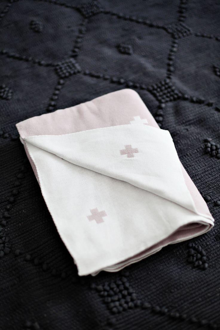 Jamie Kay Cotton Cross Blanket - Old Rose