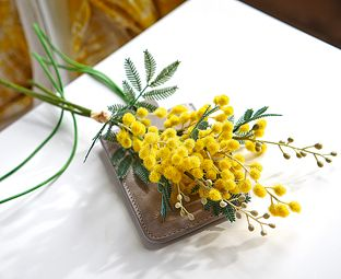 Our sunny yellow mimosa flowers will give you the brightness of spring all year #yellow
