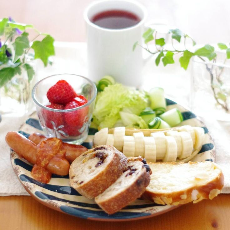 2016.2.5 #breakfast  #bread    #ボツ写真救済プロジェクト  いつかの#朝ごはん でおはようございます! zopfのパンー お肉が得意じゃない妹シャウエッセンなら喜んで食べるという 贅沢やなぁ笑  今日が本当の金曜日ファイトヽ(エ)ノ   #朝時間#暮らし#日々#日々の暮らし #おうちごはん #rinaご飯 #朝ごパン#あさごはん#パン #あさごぱん#zopf #ツォップ #ツオップ by rina_kitchen