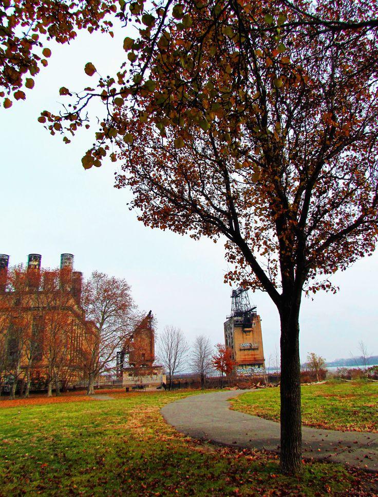 PECO Delaware Station Nest To Penn Treaty Park|Love's Photo Album