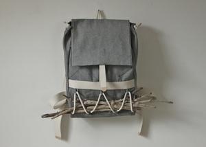 [lxl] wayfarer packLayerxlay Wayfarer, Grey 199, Men Style, Carrie Sticks, Wayfarer Pack, Axe Bags, Fashion Concept, Design Fashion, Clothing Oneself