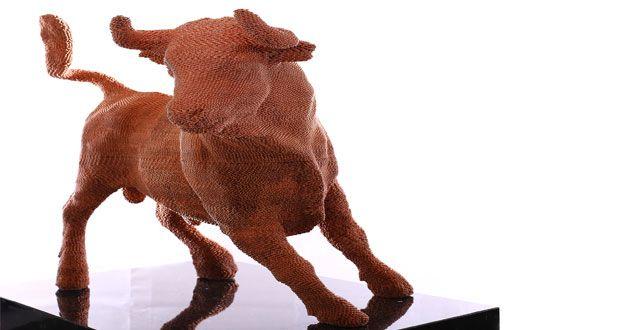 Dieter & David Frank: Bull (socha vytvorená z takmer 70 000 kusov jednocentoviek)