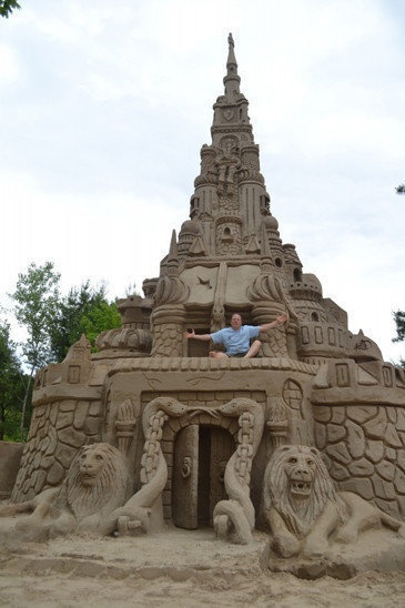 Ed Jarrett set the world record for height in sandcastles at 36 feet.