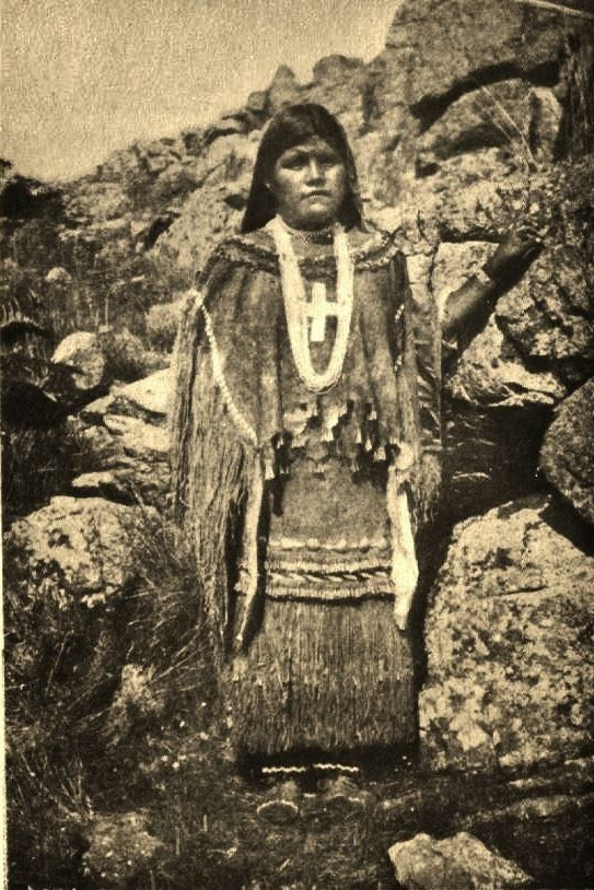 History: Historic Apache Indian Girls Photo Gallery-Apache-Indian-children-Emma Todanny-1890s