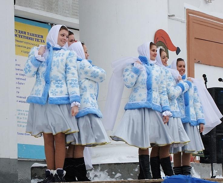 러시아 사라토프에서 열린 2012년 봄맞이 축제 '마슬레니짜(마슬레니차)' 전경. http://russiainfo.co.kr/2374