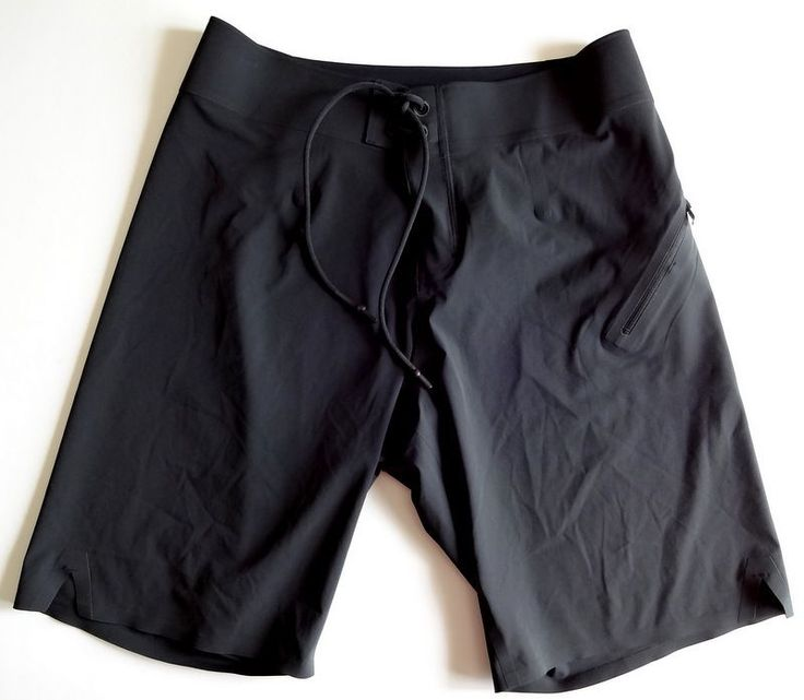"Lululemon El Current Board Shorts Size 32 10"" Inseam Black"