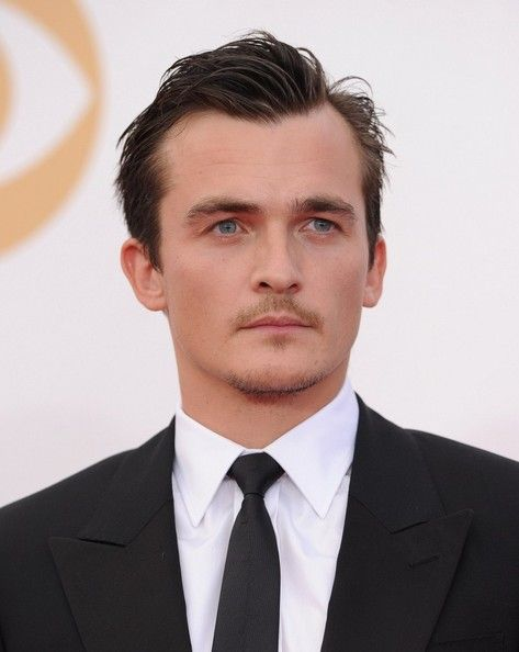 Rupert Friend Photos - Arrivals at the 65th Annual Primetime Emmy Awards — Part 2 - Zimbio