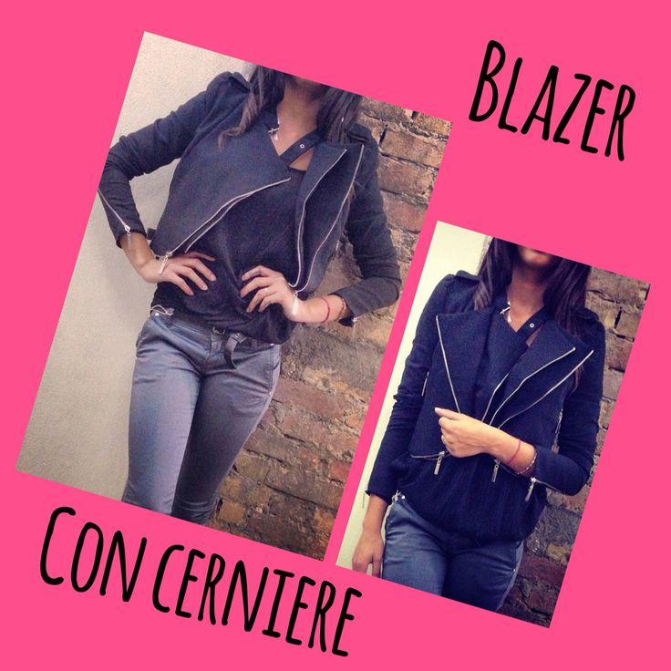 Blazer Black con cerniere taglie S-M-L  Disponibile su  www.heartwoodbf.bigcartel.com o whatsapp 3317465102