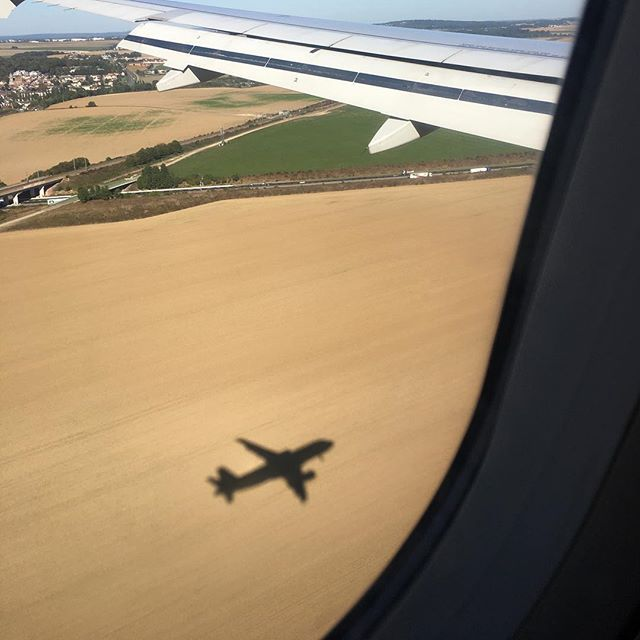 Just about to land at Charles de Gaulle airport for a meeting. When you love what you're doing, you don't have to work one single day. Life's sunny side!