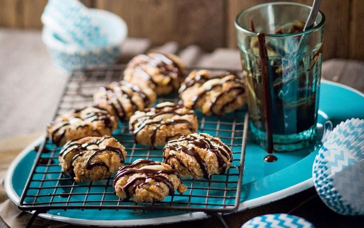 Carb-free nut biscuits with chocolate drizzle
