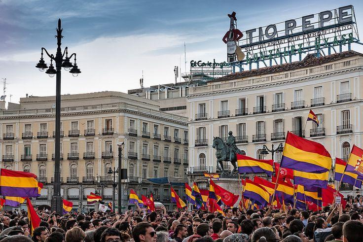 La corona española pasa de manos, ¿es posible una Tercera República?