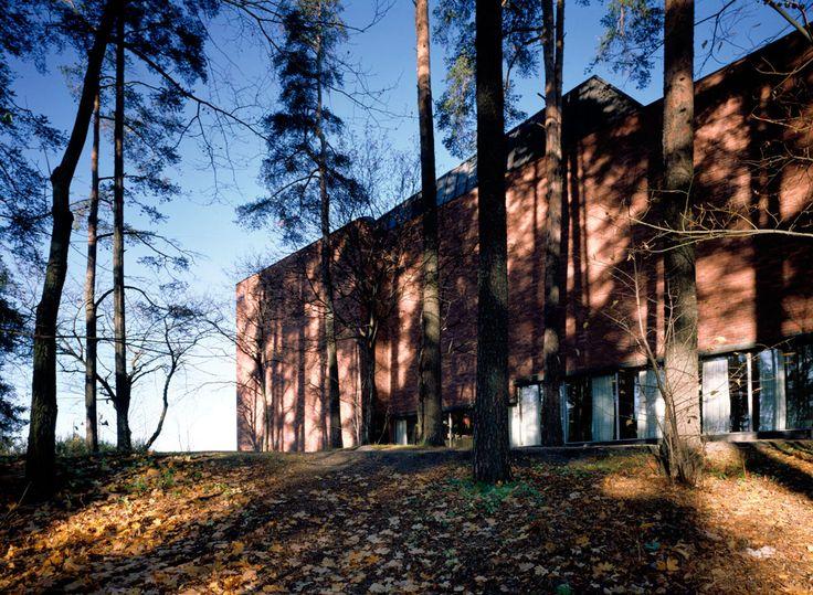 14th International Alvar Aalto Symposium - New Housing Solutions for Cities in Transition Change. 30.8.-2.9.2018 Jyväskylä, Finland.