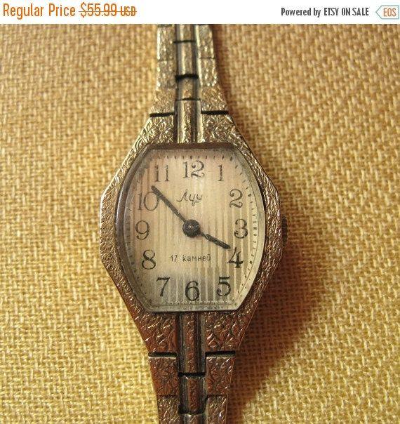20% Off Sale Vintage Women's Watch Luch With Bracelet Perfectly Working, Vintage Soviet Watch, Ladies Watch Luch, Wrist Watch Womens, 17 Jew