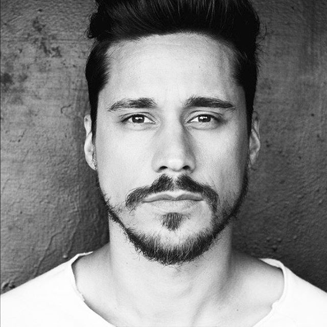 Peter Gadiot- Queen of the South