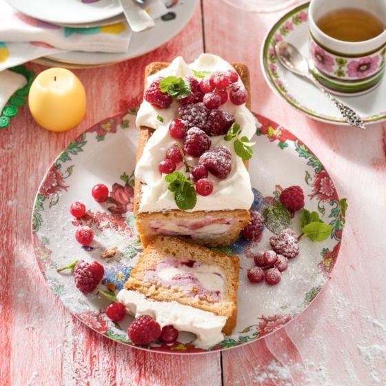 Tip: maak de cake al 1 week voor het diner en bewaar hem goed verpakt in de diepvries. #ijs #fruit #jumbosupermarkten