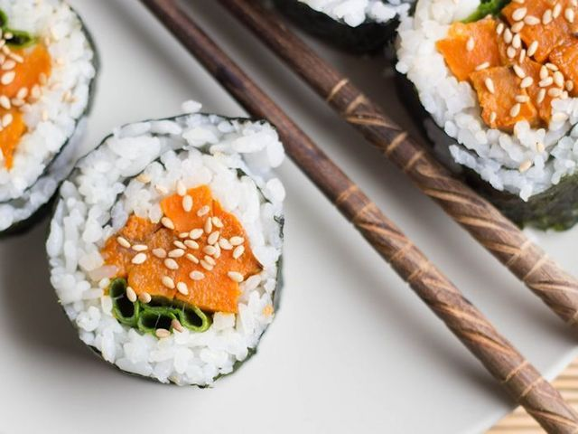 Sweet potatoes are roasted up with maple syrup and sesame oil, rolled in rice coated nori sheets and sprinkled with toasted sesame seeds to make these flavorful sweet potato sushi rolls. I think I d