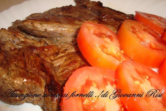 Bistecca di RealeAccompagnata come contorno per questa bistecca di reale , si potrà preparare dei pomodori lunghi da insalata