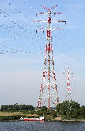 Transmission tower - Wikipedia, the free encyclopedia
