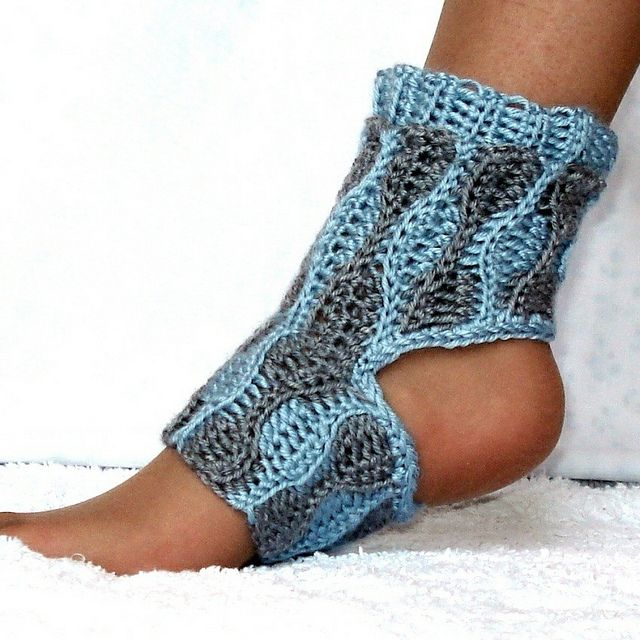 Wave Yoga Socks Crochet Pattern Kids and Adults by Genevive_Too, via Flickr