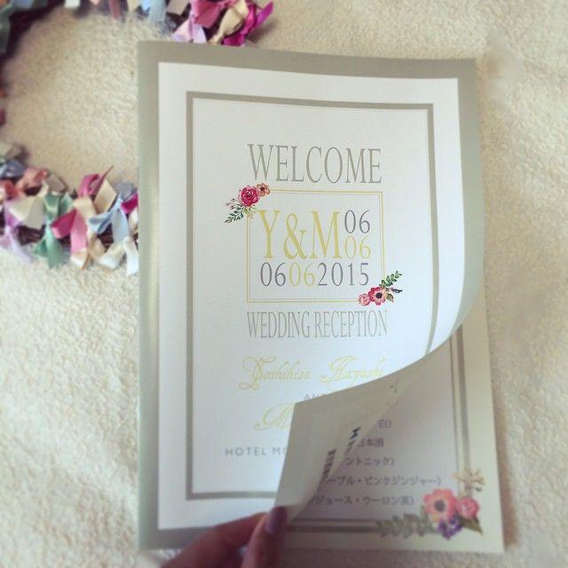 こちらはブックタイプの席次表。 ・ テーマカラーは#モスグリーン × #イエロー。 私も大好きな色です◎ ・ 海外のカードっぽく。 可愛すぎない程度にお花をちょこっと。 こちらのお花シリーズ人気です❤︎ ・ #wedding #結婚式 #結婚式準備 #プレ花嫁 #席次表 #プロフィールブック #ペーパーアイテム #席次ブック #lepicewedding