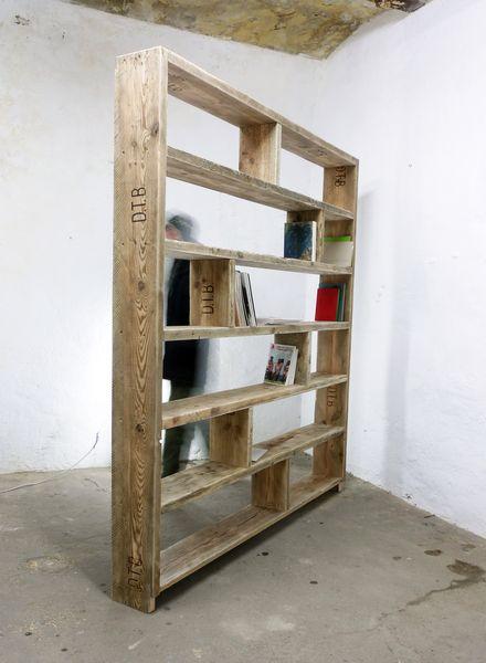 Bücherregale – Bücherregal aus altem Bauholz -Re…