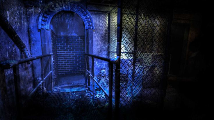 Headless Horseman Haunted House in New York offers a remarkable haunt experience that includes a haunted hayride, corn maze, seven haunted houses, and a sideshow magic and illusion show.