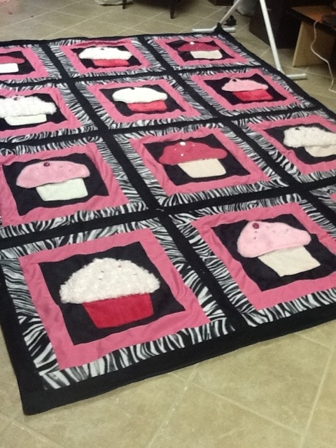 24 best Cupcake Quilts images on Pinterest | Bed linen, Cushion ... : quilt cupcakes - Adamdwight.com