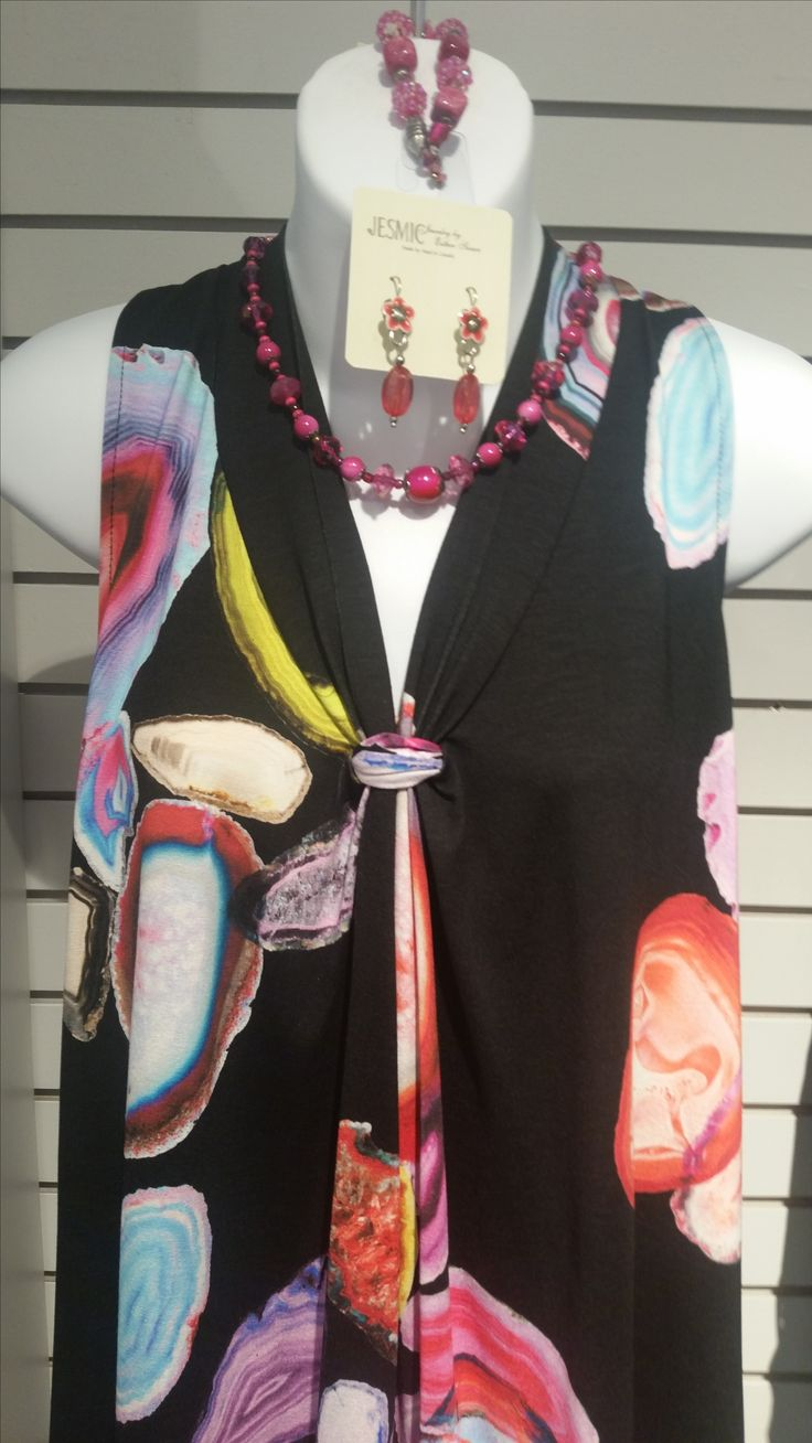 Take a look at this super flattering sleeveless blouse! Dress it up or dress it down to create a look that works best for you! We've added Jesmic Jewellery to give it that extra colorful touch!