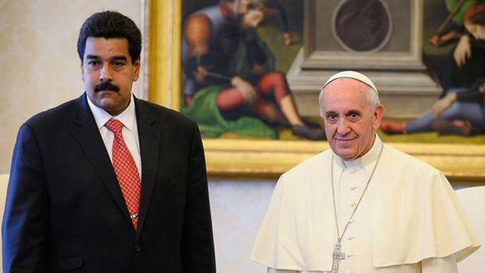 Comisión presidencial entregó carta dirigida al Papa Francisco
