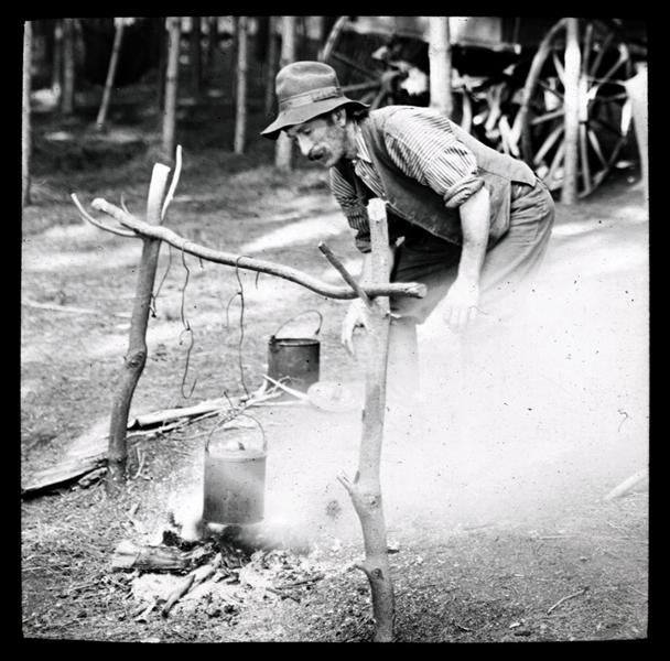 Swagman boiling the billy Source: Culture Victoria
