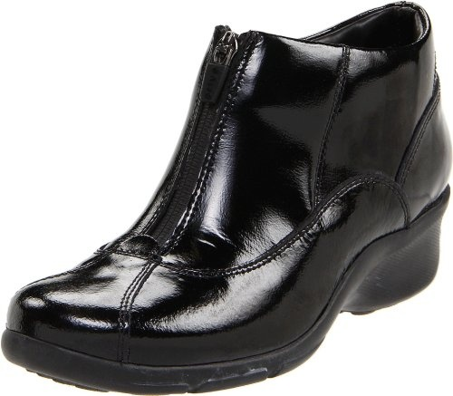 Enjoy the elements in the Privo Draper rain boot. This waterproof ankle bootie has a faux patent leather, nubuck or leather upper and a synthetic lining for a smooth feel. A center zip allows easy on/off. A Soleassage footbed cushions with textured bumps for a massaging effect to keep you comfortable and energized. A textured rubber sole grips surfaces to keep you steady no matter the weather in t ...