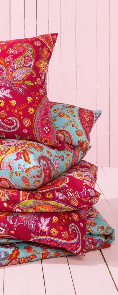 pillow  - Paisley (design)