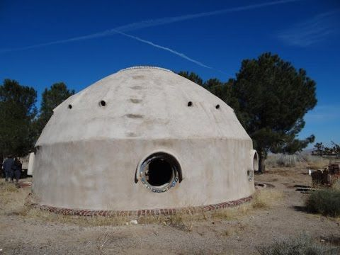 Domos de Superadobe: Instituto Pindorama no Cal-Earth Institute - YouTube