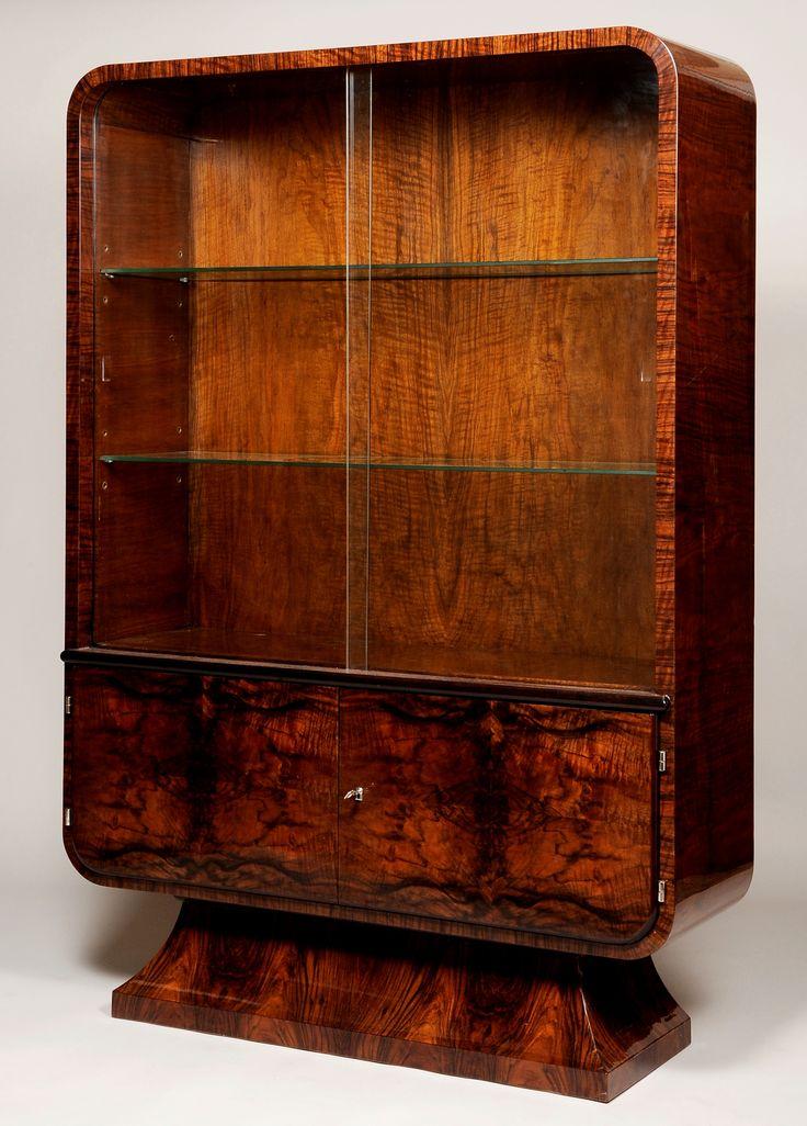 Halabala Jindřich, Czechoslovakia, display case, walnut, 1940 - 1949, restored