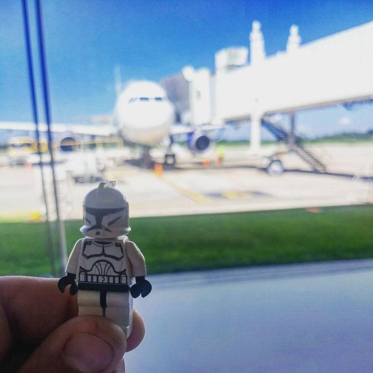 Las aventuras de un Clone Trooper #ViajandoAndamos #Travel #travelblogger #Travelling #StarWars #CloneTrooper #CloneWars #Villahermosa #Tabasco #Plane #Interjet #Pictagram #PicOfTheDay #Chefslife #Instashoot #Shootagram #Lego #LegoStarWars