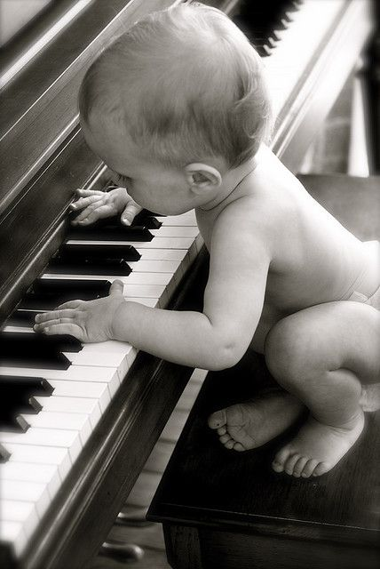 Play it again baby!Cutest Baby, Baby Plays Piano, Music Kids Pictures, The Piano, Baby Photography Music, Baby Music Pictures, Kids Musicians, Baby Pictures, New Baby