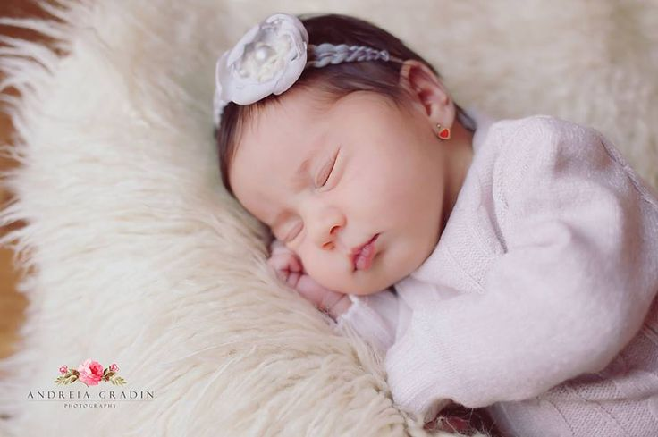 Sedinta foto bebelusi Maia fotografii profesioniste realizate de Andreia Gradin
