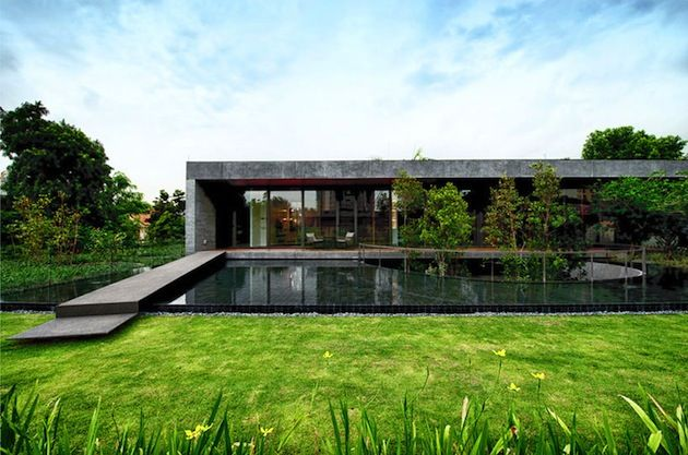 Piccsy :: Contemporary Singapore Wall House By FARM Design