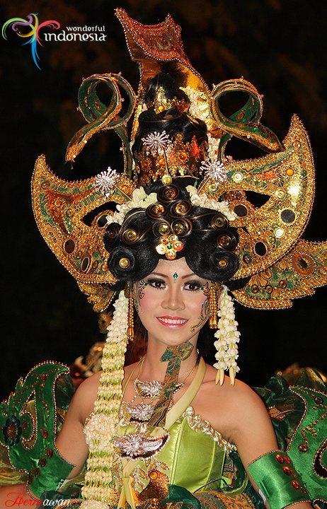 Pesona Legenda Dalam Balutan Batik   :: Solo Batik Carnival 2011 ::