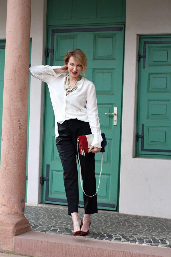 die besten 17 ideen zu klassische outfits auf pinterest b rokleidung f r damen b ro mode und. Black Bedroom Furniture Sets. Home Design Ideas