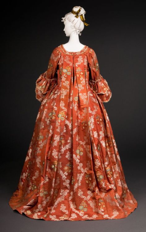 Robe volante, 1740s, from the FIDM Museum via The Curated Object